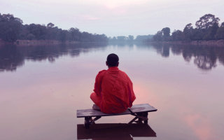Притча «Перестаньте быть стаканом, станьте озером»