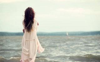 Море и женщина