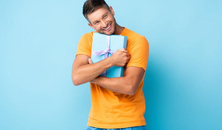 Как удивить любимого мужчину: идеи подарков и сюрпризов