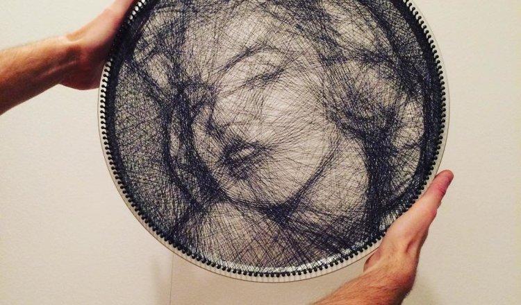 Необычные картины, созданные с помощью нити (14 фото)