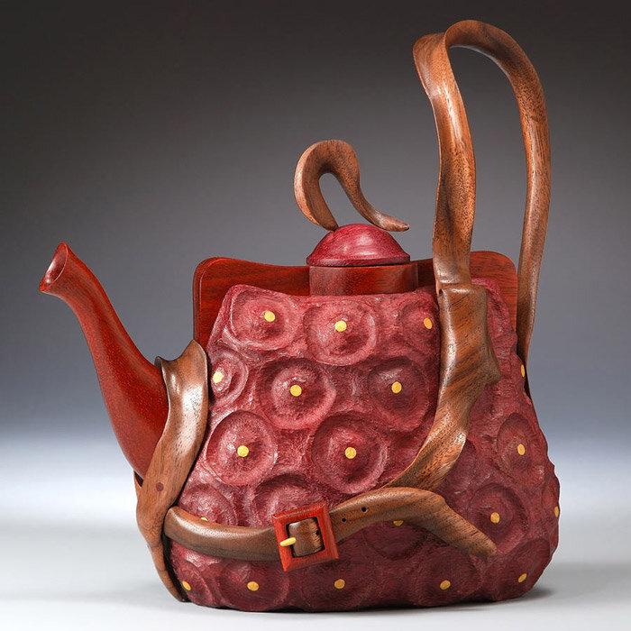 чайник из дерева