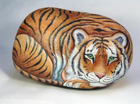 изображение тигра на камне