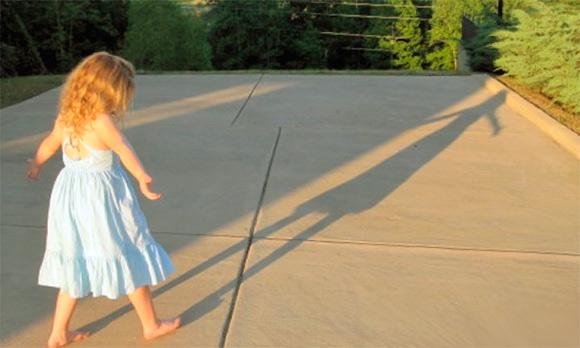 ребенок и тень