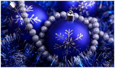 синий шар новогодний