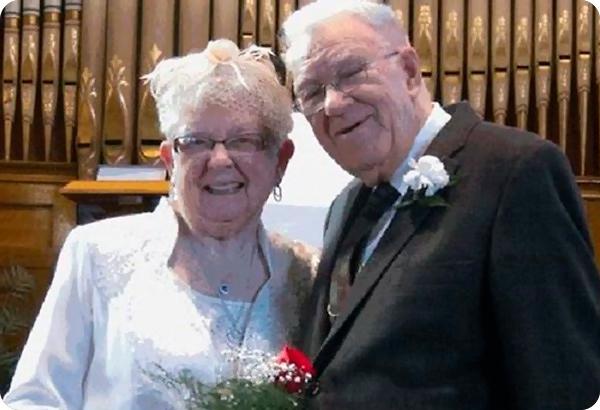 свадьба пожилых людей
