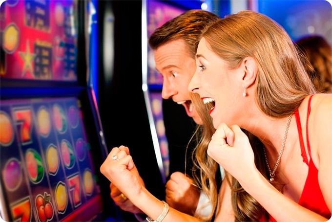 как помочь человеку который играет в игровые автоматы
