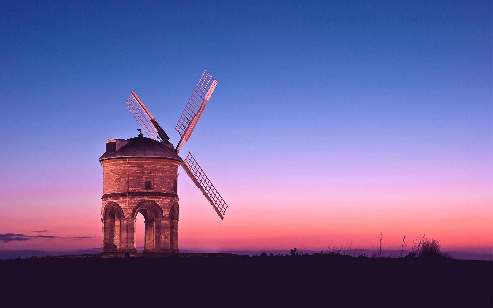 мельница розовый закат
