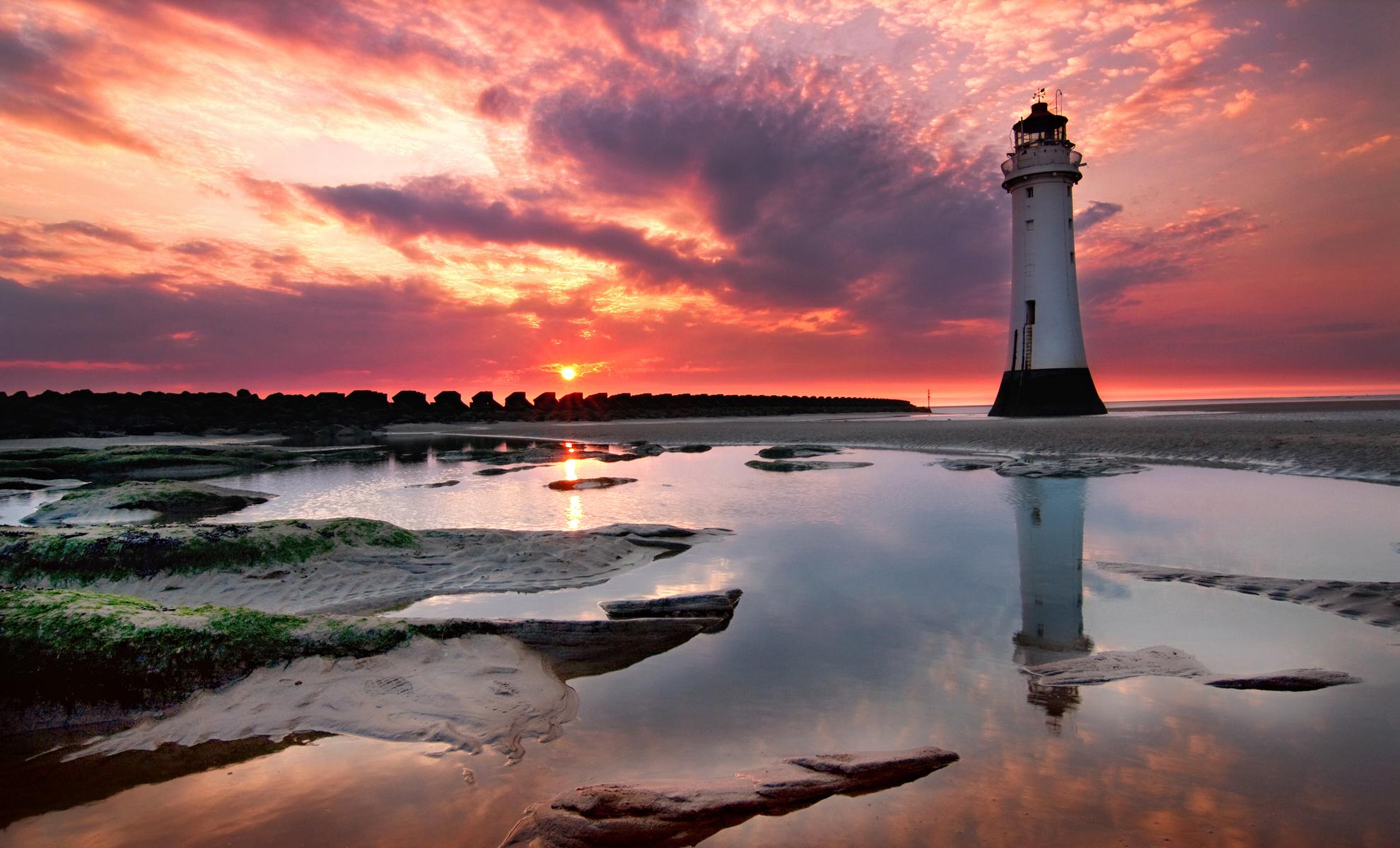 закат-маяк