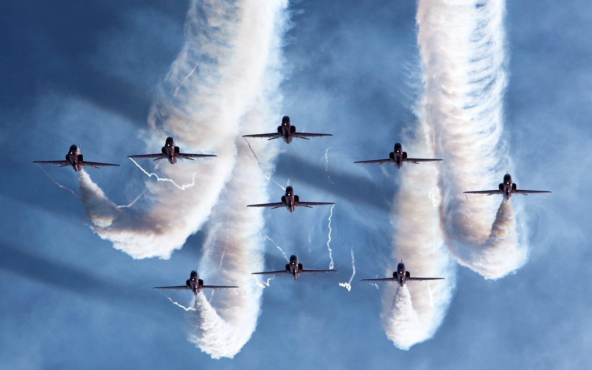 самолет полет небо дым