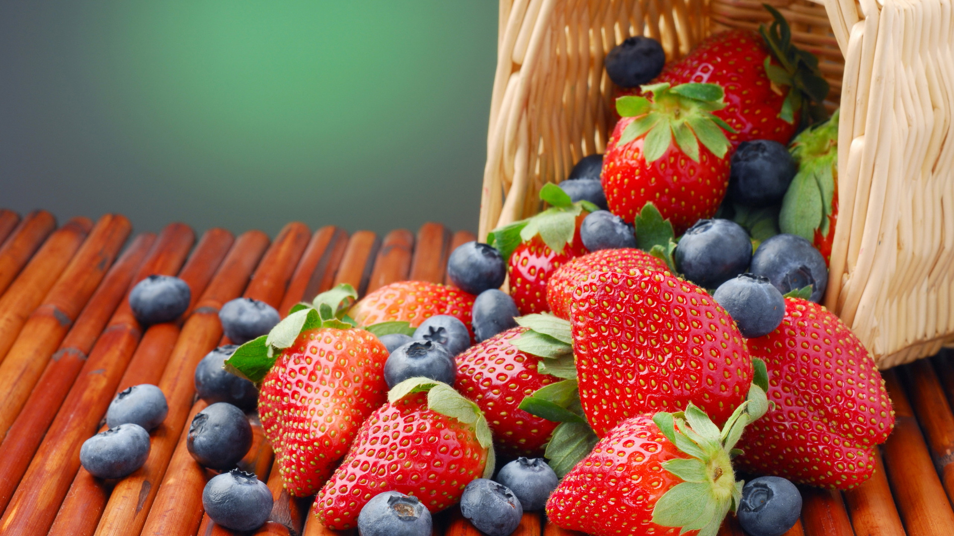 летние ягодки