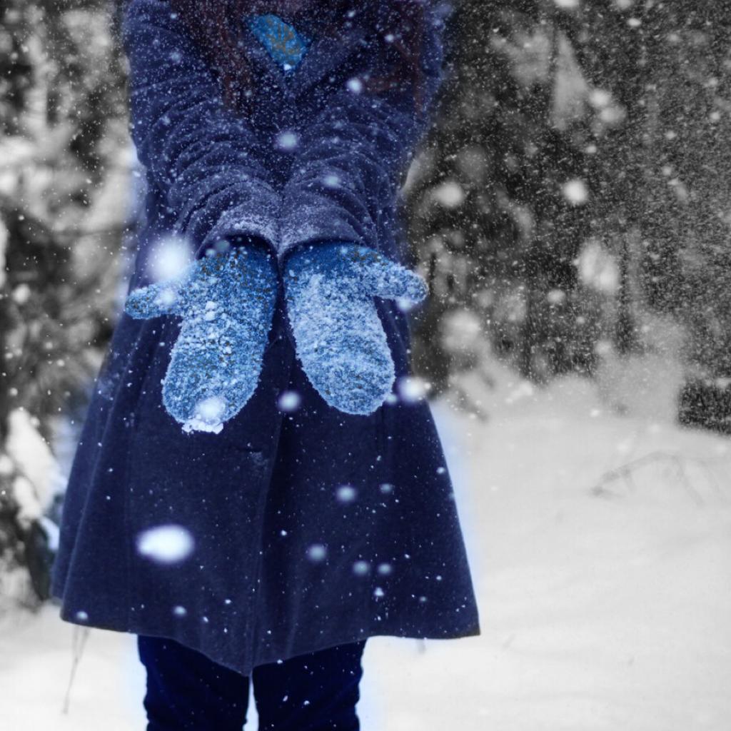 снег варежки