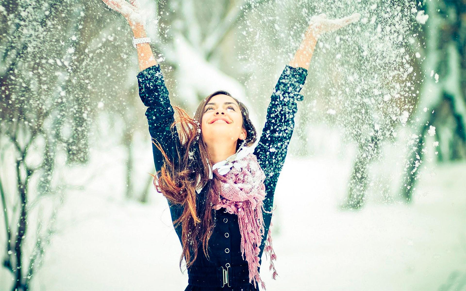 девушка и первый снег