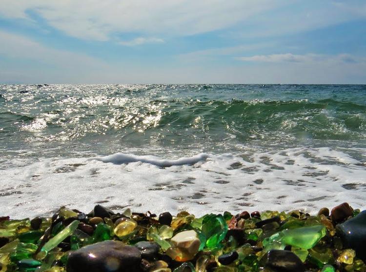 стеклянный пляж Владивосток