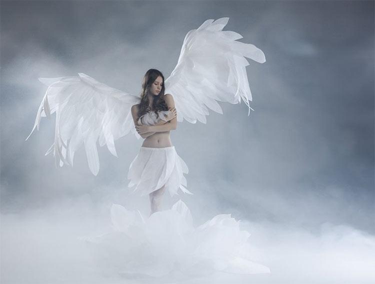 девушка с крыльями ангела