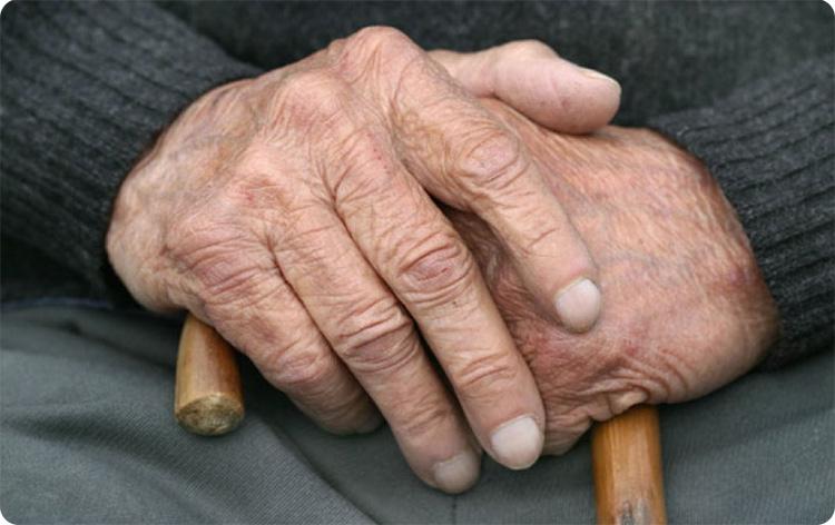 руки дедушки