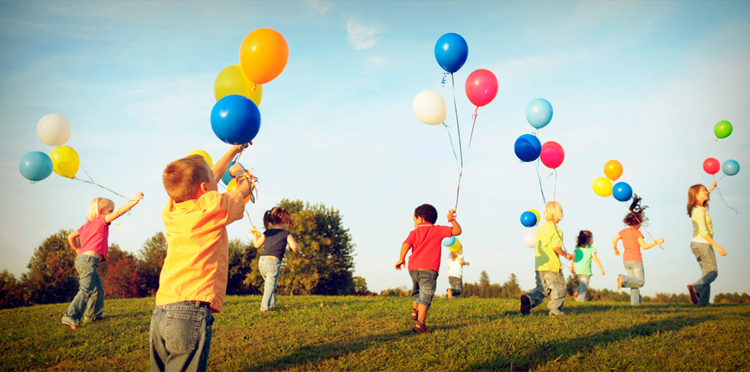 дети с шариками