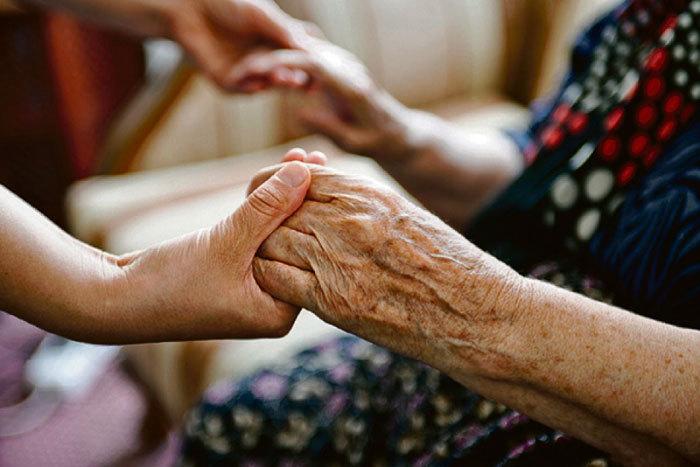бабушка руки