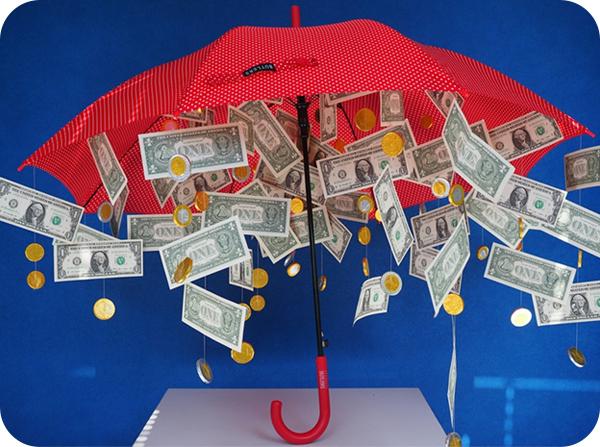 зонт с купюрами
