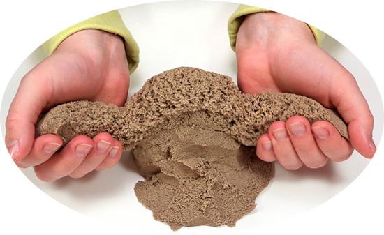 песок в руках