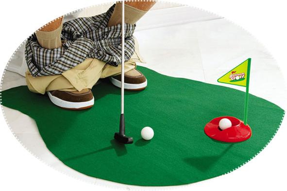мни-гольф для туалета