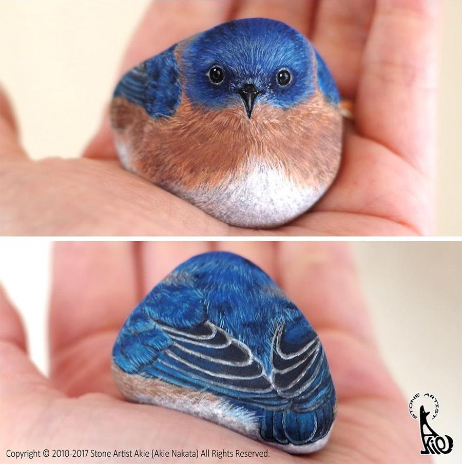 птичка - рисунок на камне