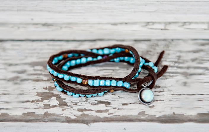 браслет замшевый шнур и бусины