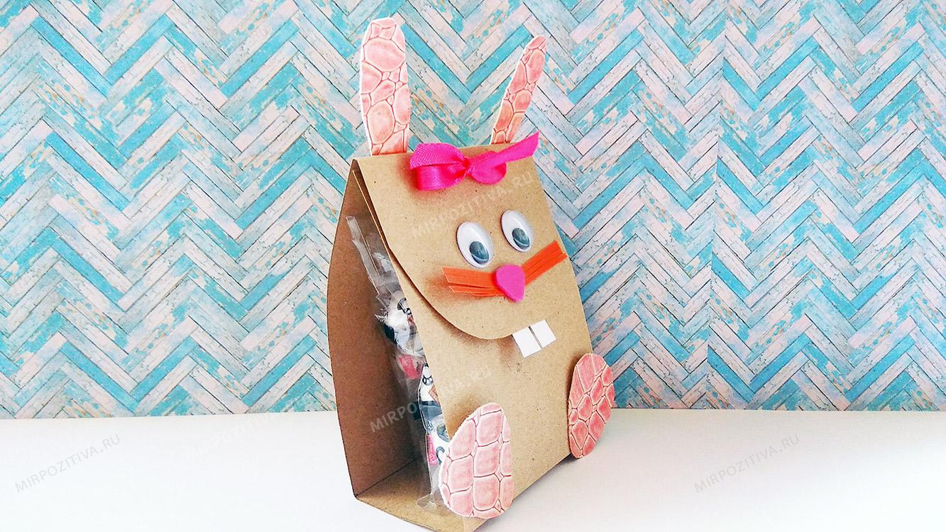 упаковка из картона для сладкого подарка