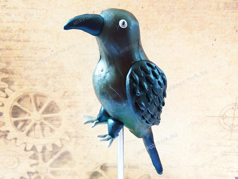 ворона из пластилина