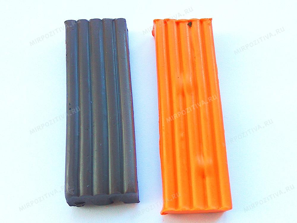 1 подготовим бруски пластилина оранжевого и коричневого цвета