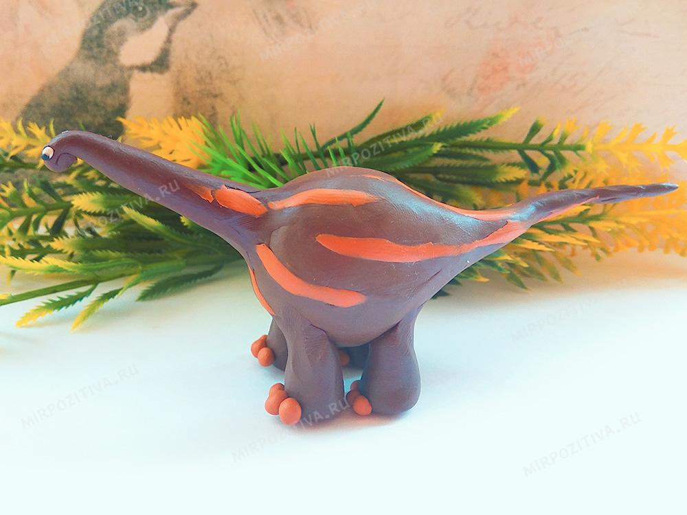 пластилиновая модель брахиозавра