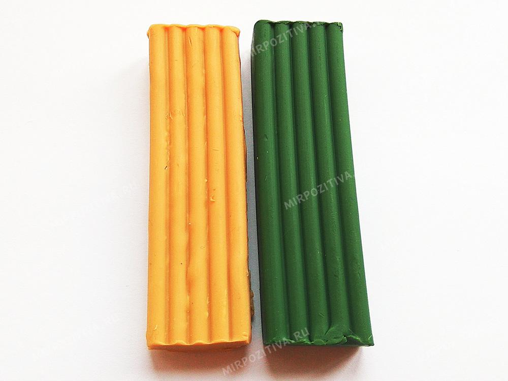 желтый и зеленый пластилин
